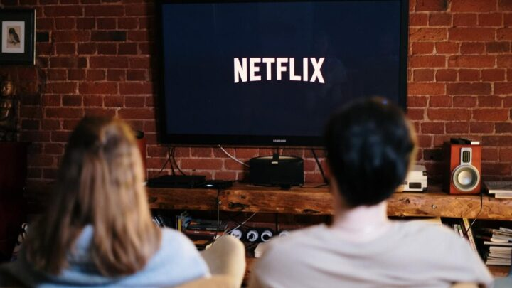 Man and Woman watching Netflix